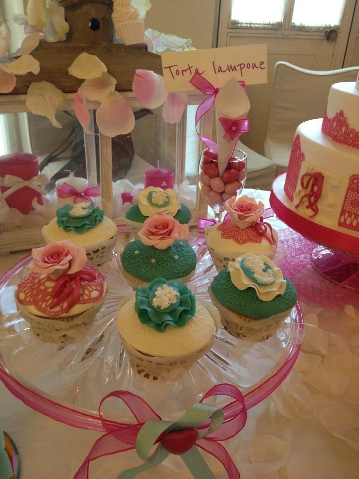Cup Cakes fucsia e verde Tiffany realizzati in tema con l'evento.