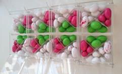 Particolare bomboniera di confetti a 4 scomparti. Colori meravigliosi!