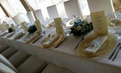 E la tavola è pronta! Elegante e raffinata.