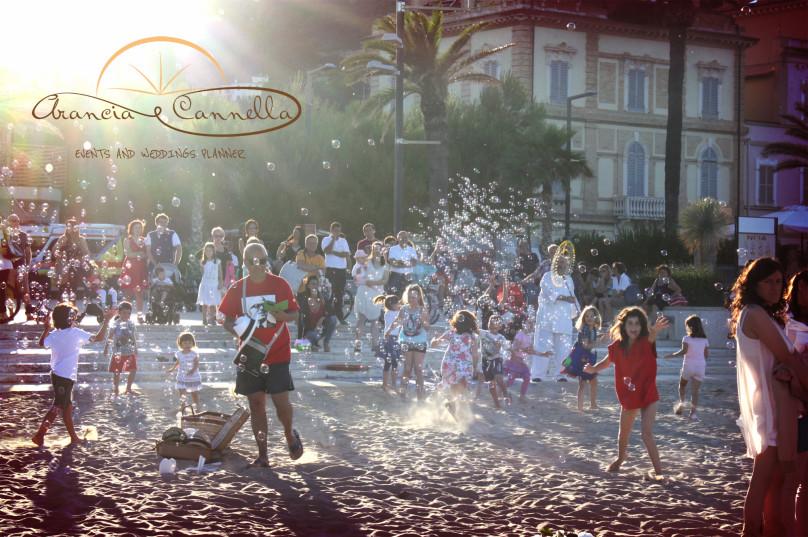Lo spettacolo delle bolle di sapone.