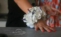 Bracciale floreale per la testimone